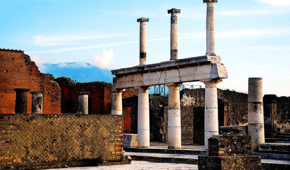 1 Ancient city of Pompeii