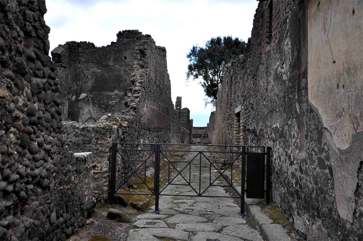 12 Ancient city of Pompeii