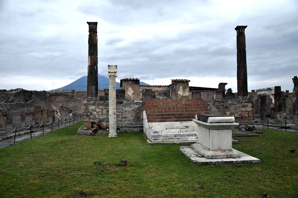 2 Ancient city of Pompeii